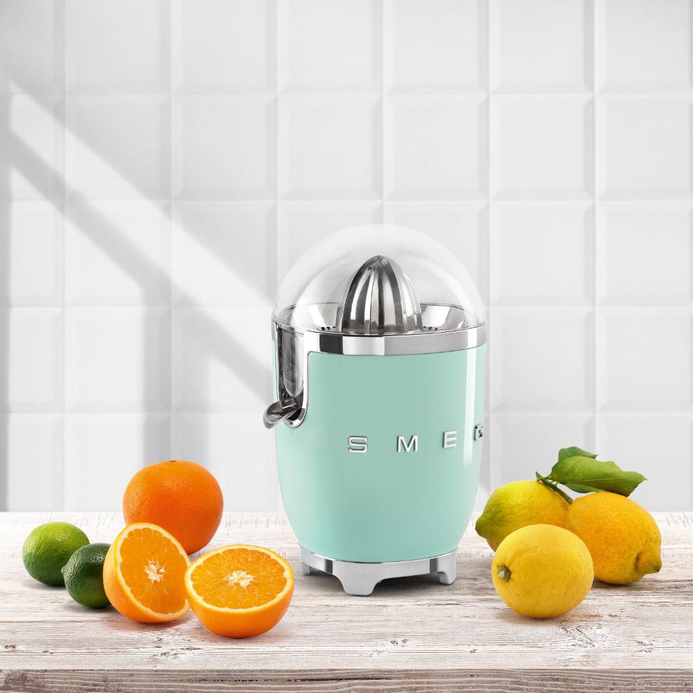 Smeg-Citrus-Juicer-CJF-50's-Style-High-materials
